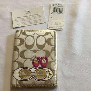 Coach Light Khaki Signature NWT Pass/Card Holder